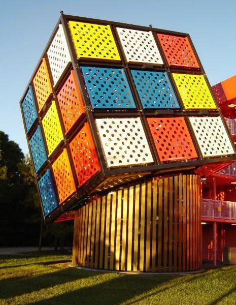Domnule Ciolacu in cat timp poți rezolva cubul Rubik ?