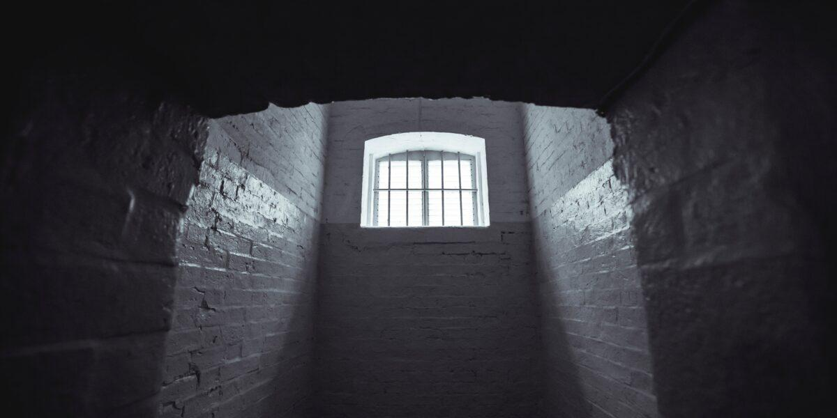 Bogdan Olteanu – 5 ani de închisoare pentru șpaga de la Vîntu, împărțită cu Tăriceanu! E încarcerat chiar de ziua lui
