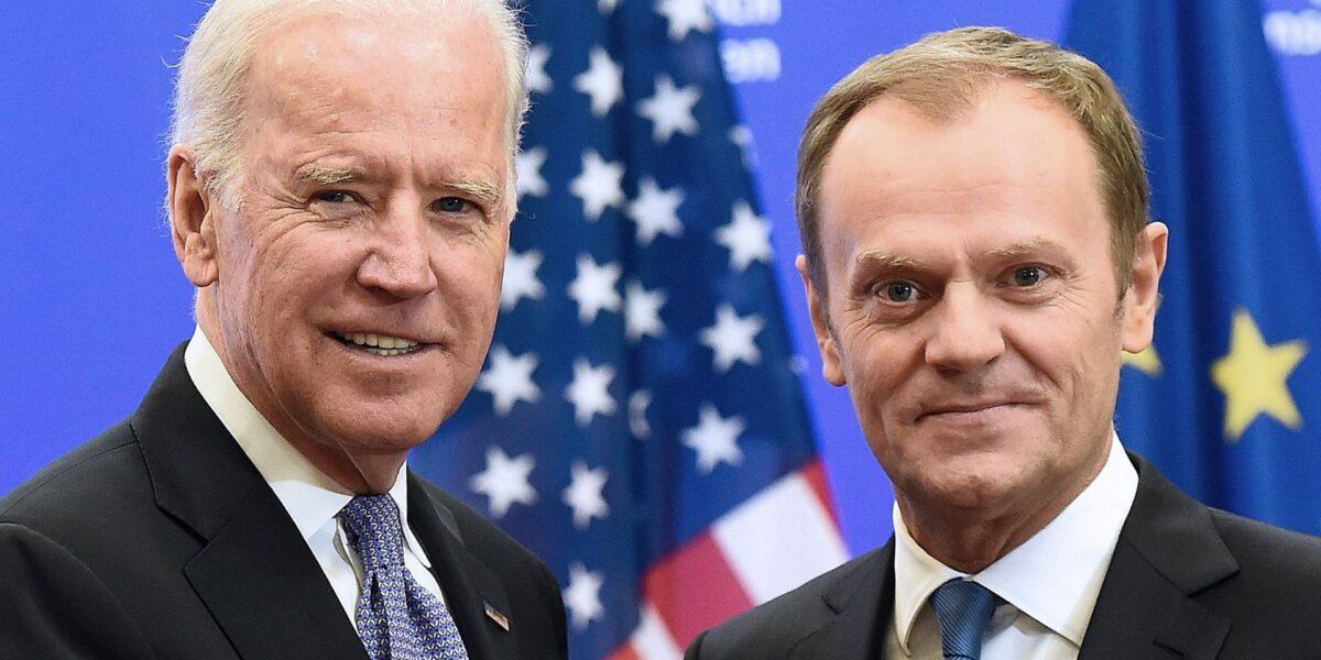 Donald Tusk îi mulțumește lui Joe Biden: Înfrângerea lui Donald Trump poate fi începutul sfârșitului populismelor de extremă dreapta și în Europa