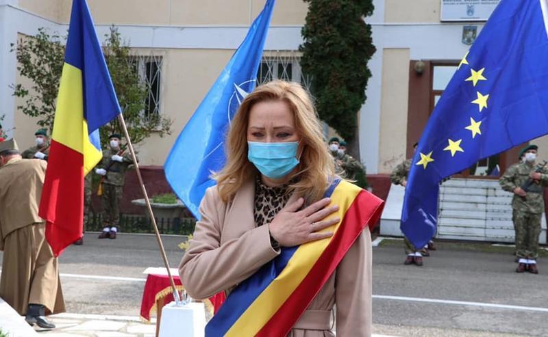 Primii șefi dați afară de Elena Lasconi la Câmpulung. Primărița USR-PLUS ceruse măsuri anti-Covid; când a mers în inspecție, nu se făcuse nimic