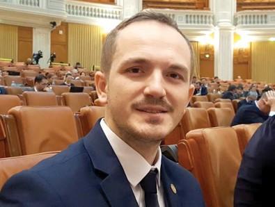 Vlad Voiculescu are toată susținerea coaliției de guvernare.