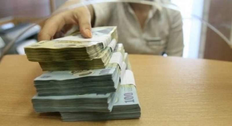 768 de pensii speciale ale parlamentarilor costă cât 3.268 de pensii medii ale românilor de rând