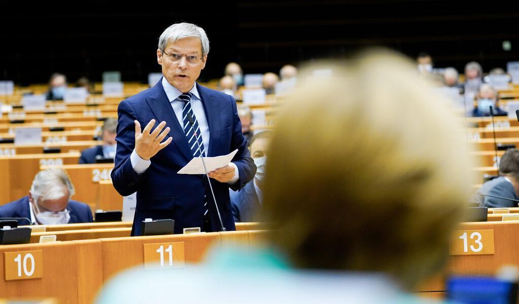 Dacian Cioloș, după deblocarea bugetului UE: Încercarea maghiaro-polonă de a șantaja Europa a eșuat. Fondurile UE vor fi condiționate de statul de drept, un pas istoric înainte
