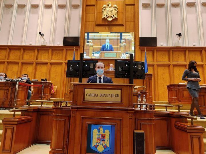Deputatul Mihai Botez, despre finanțarea unor obiective majore pentru economie, mobilitatea și sănătatea vasluienilor.