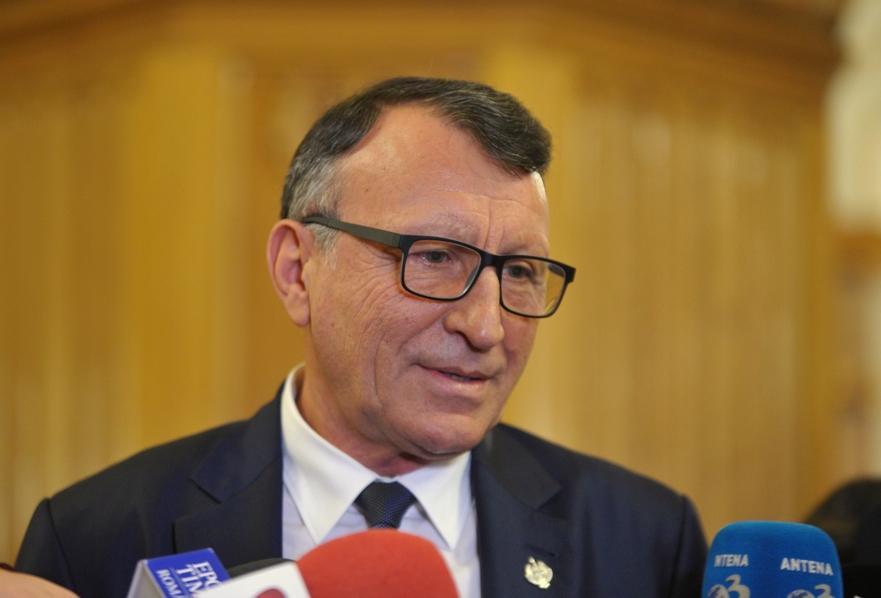 """Stănescu: Guvernul ăsta nu va rezista un an. PSD e dispus să guverneze alături de """"facţiuni"""" din PNL şi USR"""