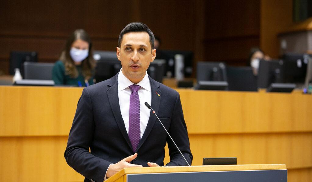 Eurodeputatul Vlad Gheorghe a depus o serie de amendamente prin care solicită ca modificarea kilometrajului la mașini să fie infracțiune pedepsită în toate statele UE