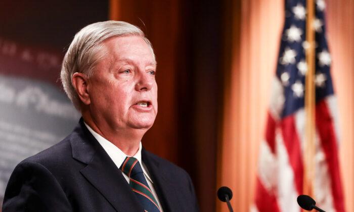 Sen. Lindsey Graham: Republicanii pot câștiga alegerile din 2022 sub conducerea lui Trump