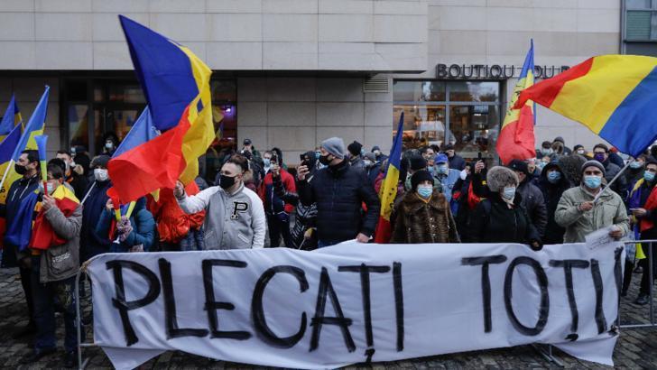 Cine să vină în locul lui Cîțu și Voiculescu: interlopii din AUR sau hoții de la PSD?