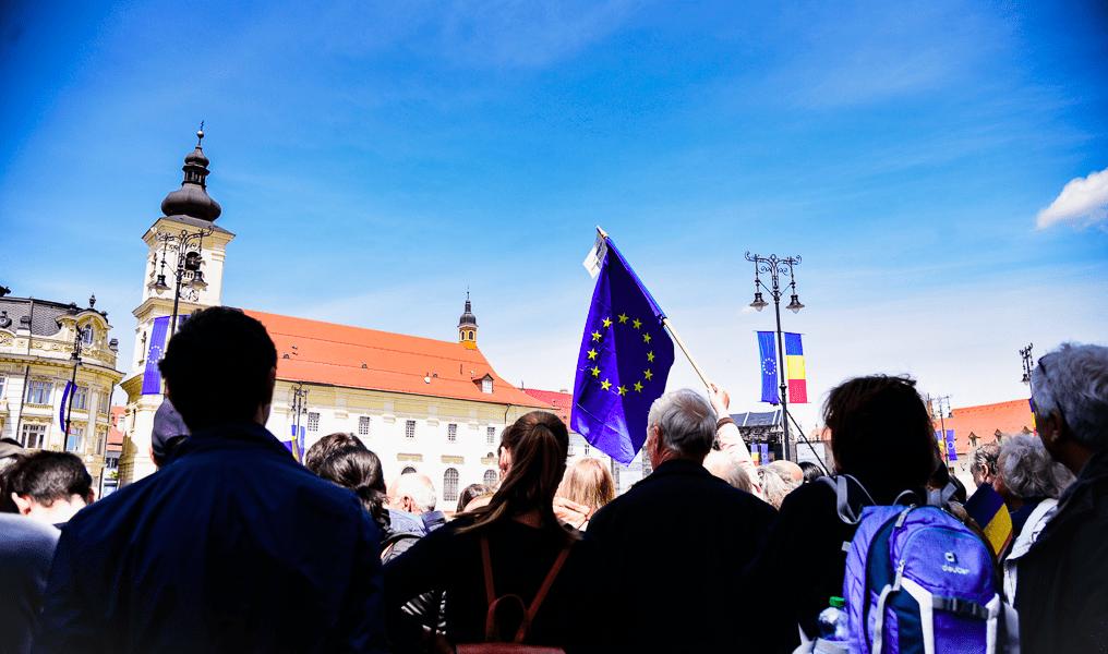 Eurobarometru: Trei sferturi dintre români cred că Planul de 30 de miliarde de euro pentru redresare și reziliență va reface economia