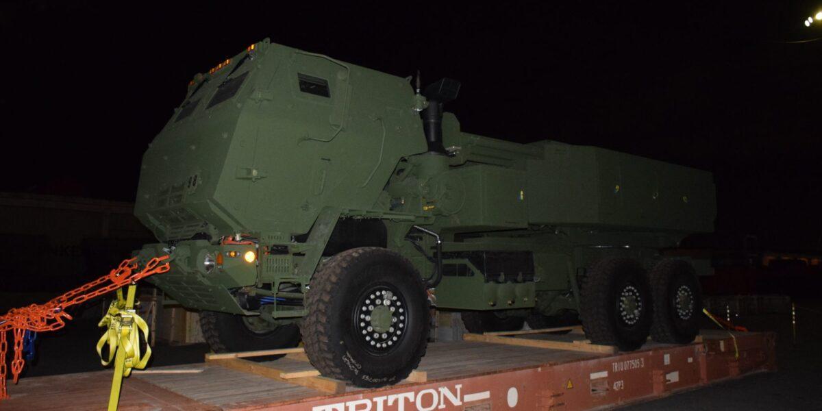 România, primul aliat NATO dotat cu rachete HIMARS: Elementele primului sistem lansator HIMARS au ajuns în Portul Constanța