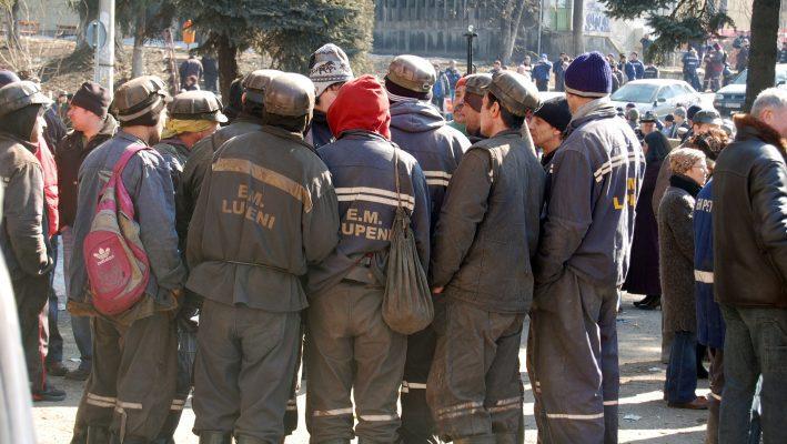 Minerii au renunțat la proteste, după ce li s-a promis că-și vor primi salariile restante