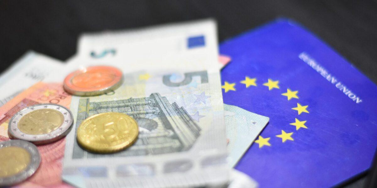 Comisia Europeană: Încrederea în economia zonei euro s-a consolidat în luna martie, pe fondul unui optimism privind sectorul serviciilor și cel al industriei