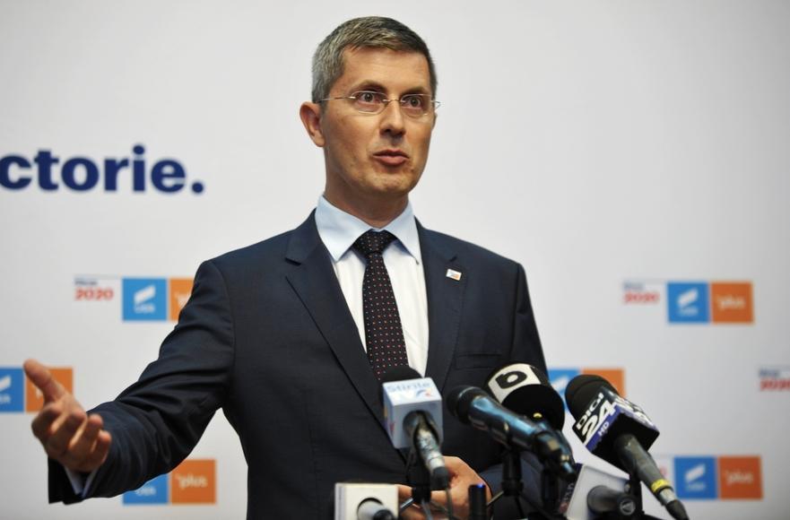 Decizia oficială a USR-PLUS: Din acest moment, Cîţu nu mai are susţinerea noastră pentru a fi premier