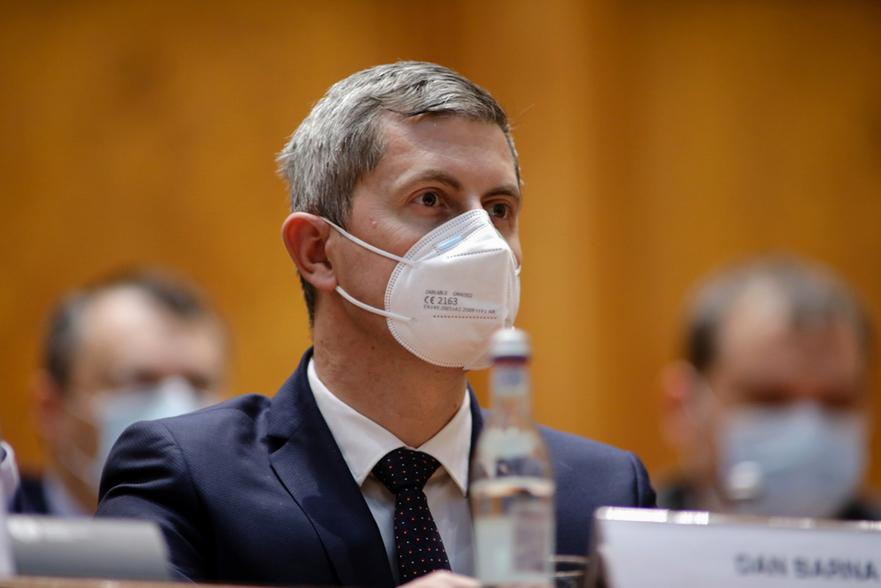 Coaliţia merge mai departe. Barna, după şedinţă: Vlad continuă la Ministerul Sănătăţii!
