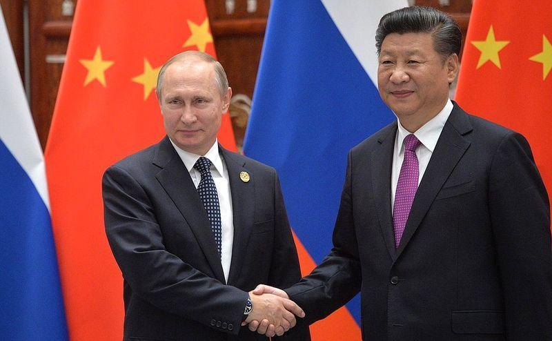Rusia și China încearcă sistematic să semene neîncredere în vaccinurile occidentale anti-COVID