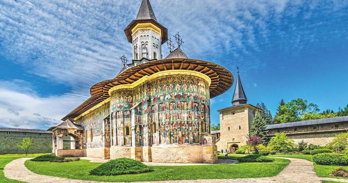 Biserica Sucevița, unde îngerii stau adunați în formație