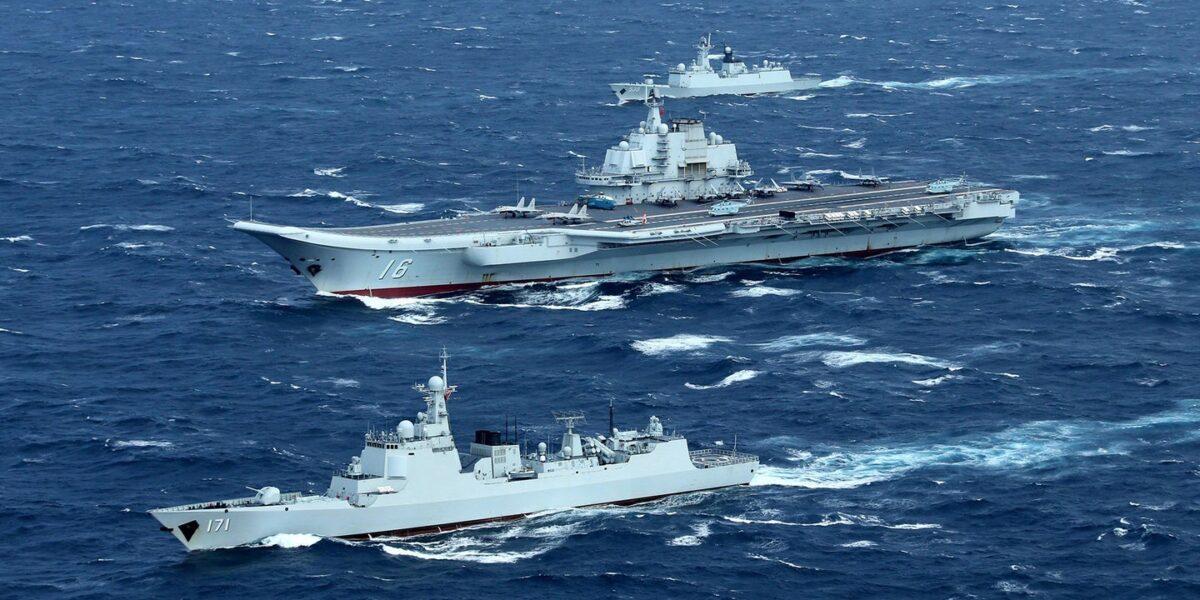 Grupurile de portavioane americane si chinezesti executa exercitii militare, în Marea Chinei de Sud