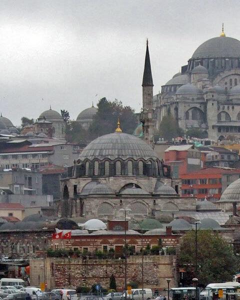 Când aurul lua minţile demnitarilor în lumea otomană