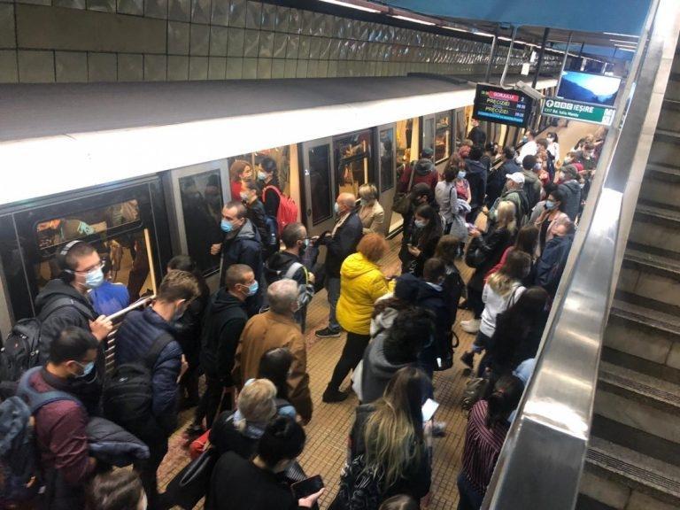 Spațiile comerciale din stațiile de metrou vor fi evacuate începând de săptămâna viitoare