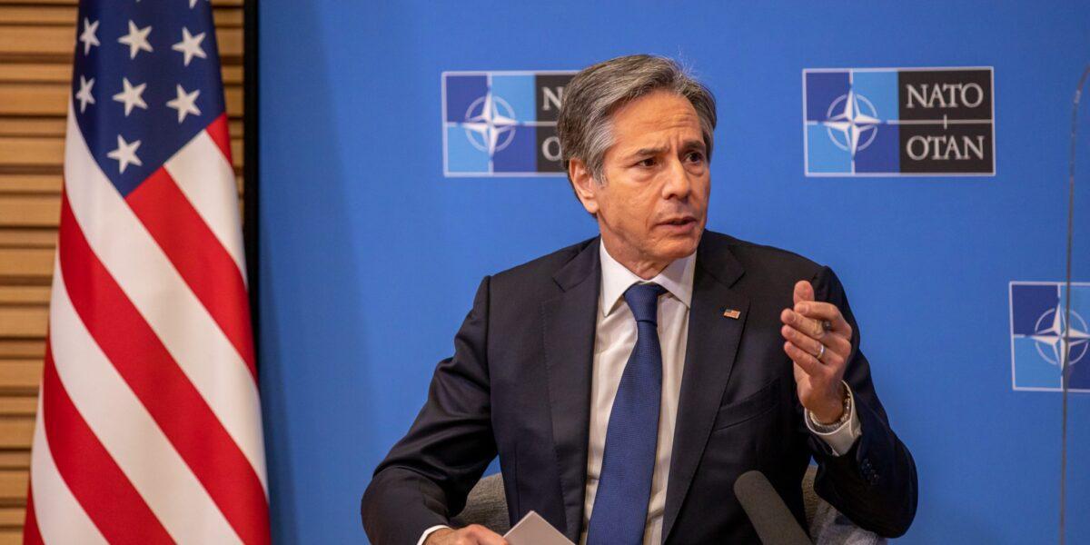 Șeful diplomației SUA, a doua călătorie în Europa în mai puțin de o lună: Antony Blinken se alătură șefului Pentagonului într-o vizită la NATO pe fondul tensiunilor dintre Rusia și Ucraina