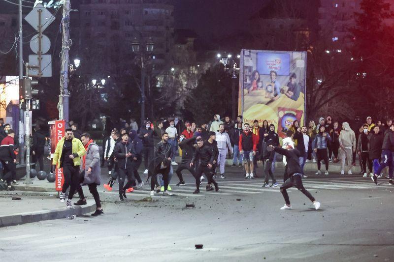 """Fanii AUR nu se lasă: vorbesc în grupuri despre """"o revoluție"""" anti-restricții în București"""