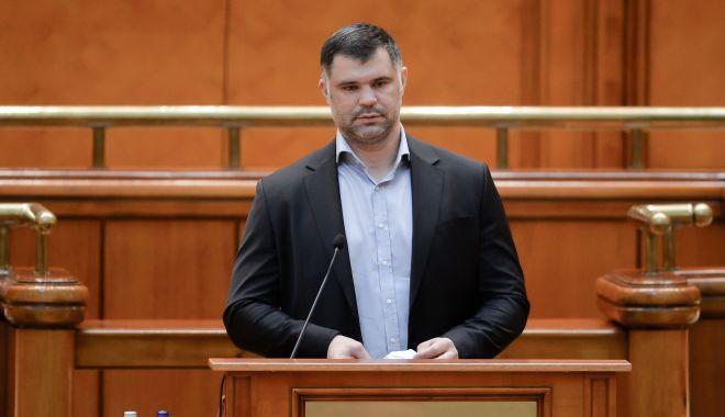 """Deputatul Daniel Ghiță, fără mască în Parlament: """"Sunt bolnav! Am adeverință! Dictatura USR!"""""""