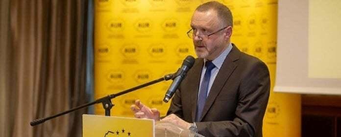 """Senatorul Sorin Lavric (AUR) recidivează: elogii aduse legionarului Gogu Puiu în preajma """"Zilei de Amintire a Holocaustului și a Eroismului"""""""