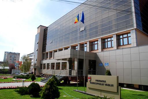 Vasile Pavăl și majoritatea PNL – USR PLUS din CL Vaslui învață să coabiteze. Organigrama a căzut, bugetul a trecut