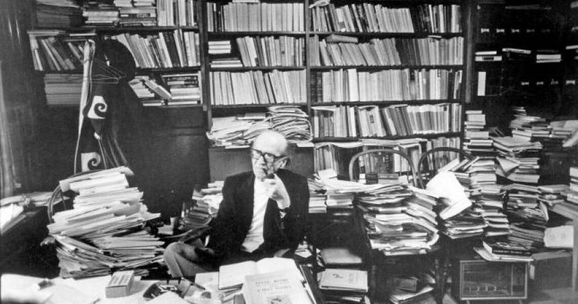 Paradoxul lui Mircea Eliade: de la corigentul miop la savantul excentric