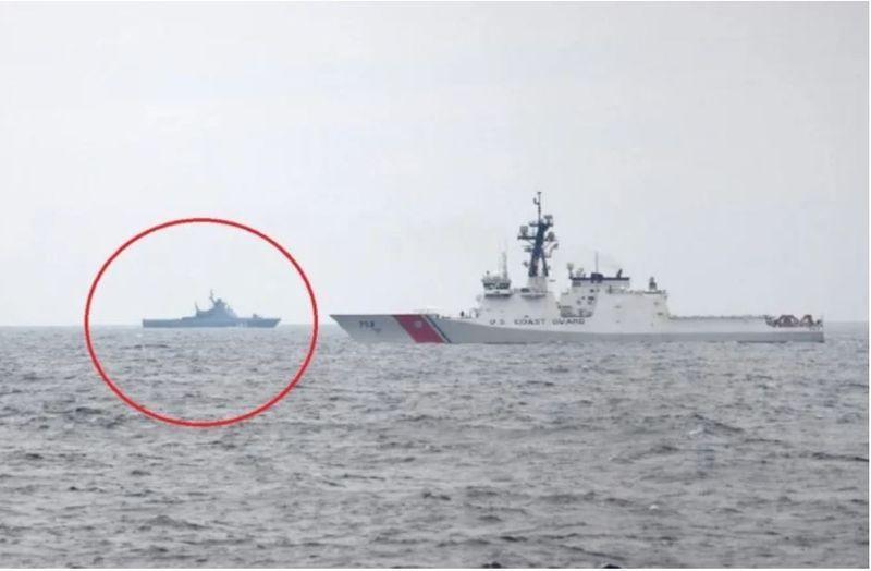 """Rusia trimite o navă la """"interceptarea"""" USCGC Hamilton în Marea Neagră"""