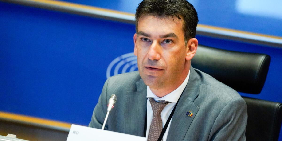 Dragoș Tudorache, președintele Comisiei pentru inteligență artificială din PE: Inteligența artificială va schimba modul în care lucrăm și ne va transforma economia