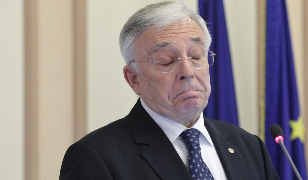 Domnule Isărescu, ce sfaturi îi veți cere Vasilicăi pentru 16.000 de lei pe lună? Nu vă erau suficienți 71 de directori și 129 de șefi de serviciu?