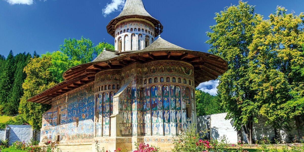 10 lucruri mai puțin știute despre Mănăstirea Voroneț. De ce este supranumită Capela Sixtină a Estului
