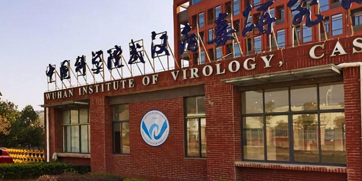 Jurnaliștii americani au protejat China și au eliminat teoria apariției virusului din laboratorul Wuhan