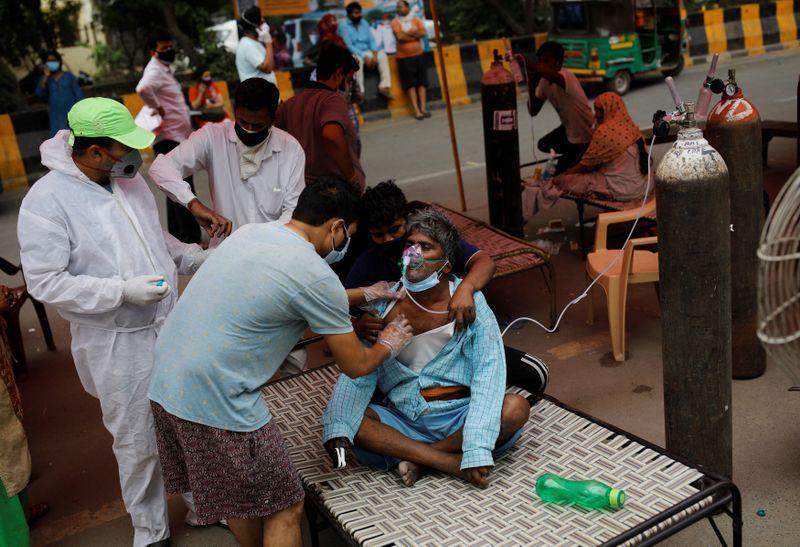 """""""Un infern aici"""": COVID-19 în India, pandemia dublată de o epidemie cauzată de o ciuperca mortală"""