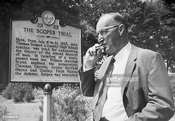 25 mai 1925 – Procesul Maimuțelor: Profesorul de biologie John T. Scopes a fost pus sub acuzare pentru predarea teoriei evoluției