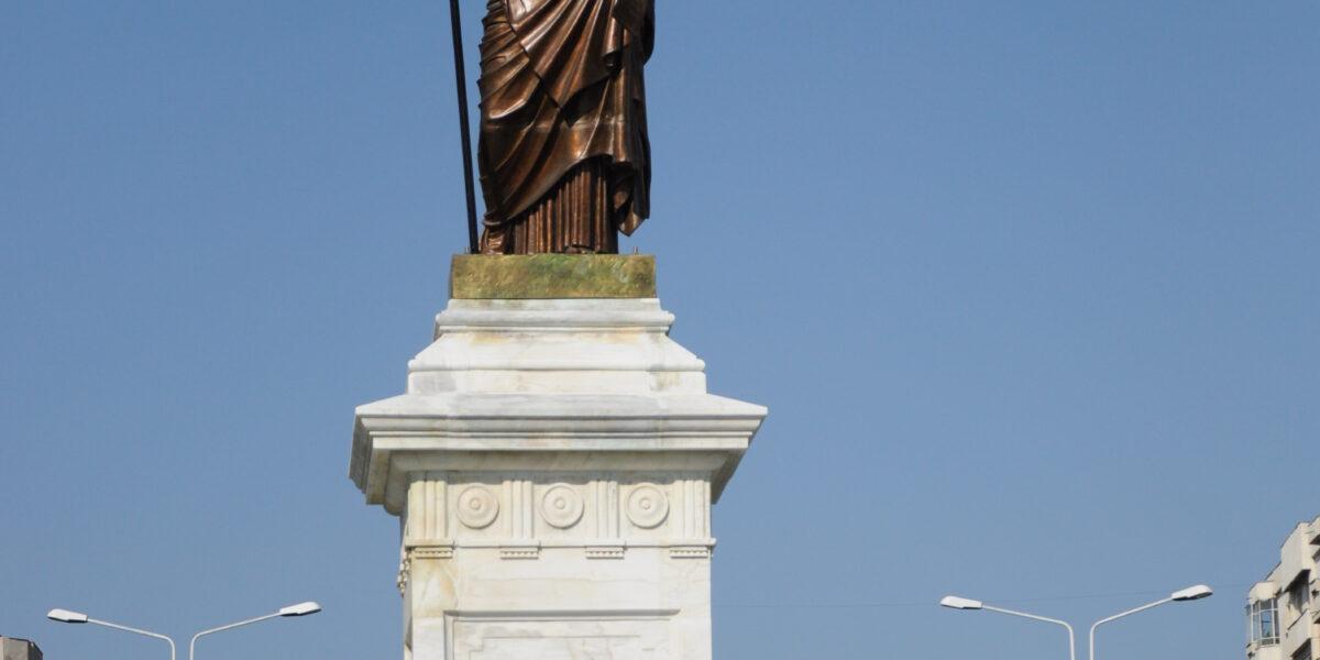 Un simbol republican și masonic: Statuia Libertății din Ploiești