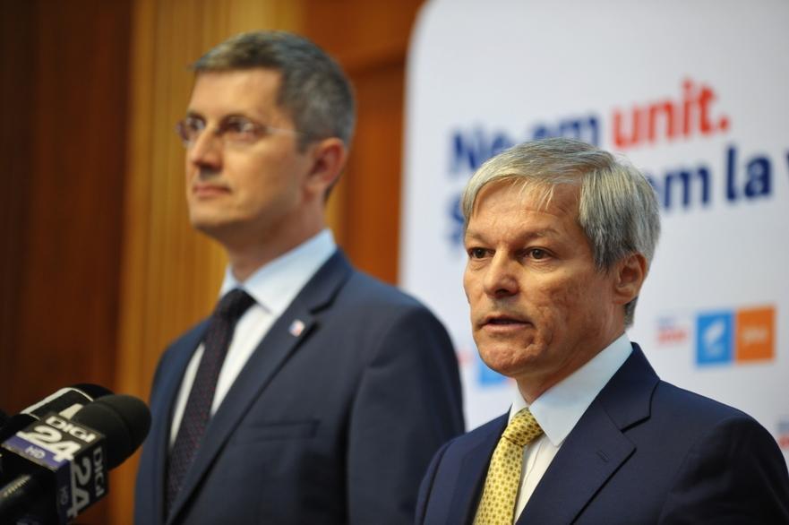 Barna refuză propunerea lui Cioloş de a nu candida la şefia USR-PLUS: Intenţionez să merg mai departe