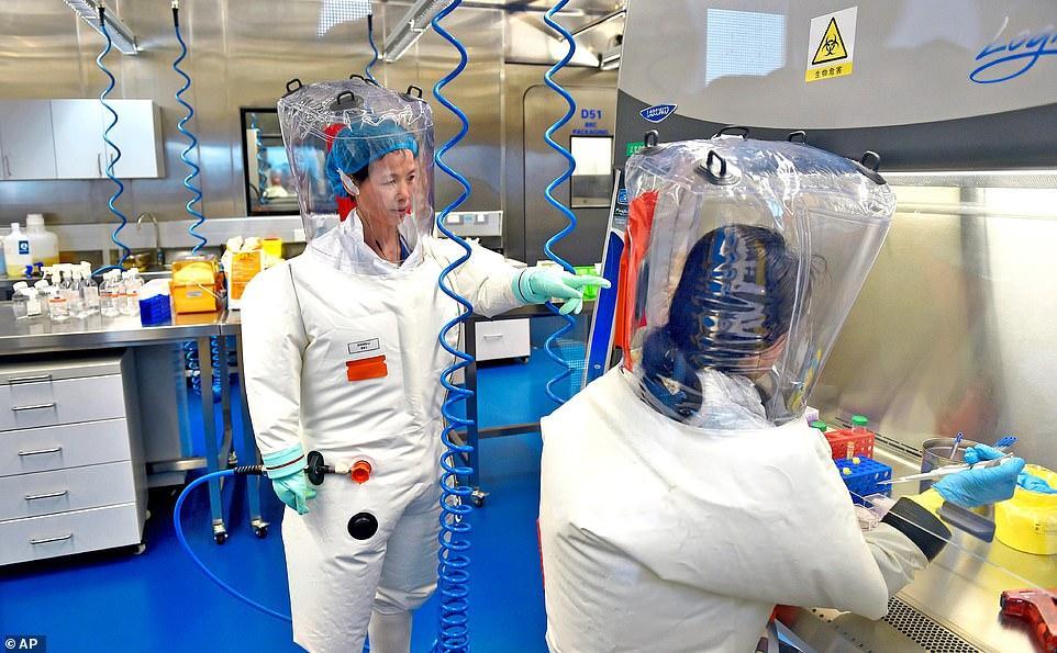 """Daily Mail: SARS-CoV-2 a fost produs în laboratorul din Wuhan! Cercetători reputați au dovezi că virusul a fost manipulat genetic de chinezi ca să infecteze oamenii """"în mod mai eficient"""""""