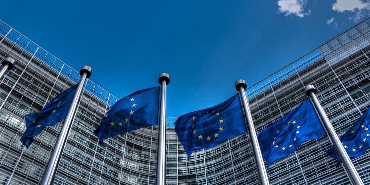 Comisia Europeană solicită României să pună capăt deficitului excesiv până în 2024