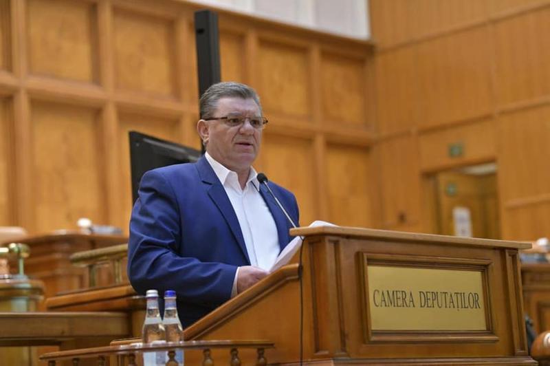 PSD-istul Coarnă și trei deputați AUR cumulează pensia de mii de lei la salariu. Cu voie de la CCR