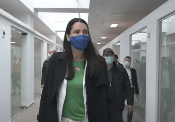 """ALDE anunta ca a strans 10.000 de semnaturi pentru referendumul de demitere a lui Clotilde Armand: """"Trebuie sa plece acasa!"""". Daniel Ghita (PSD) se implica si el in strangerea de semnaturi"""