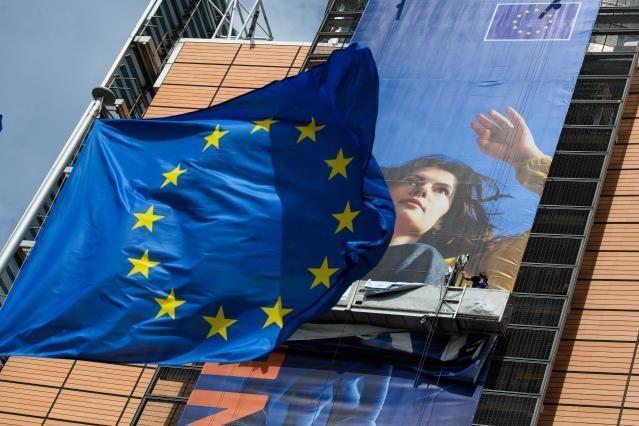 Cetățenii UE ar putea avea identitate digitală europeană din septembrie 2022. Comisia Europeană propune o identitate digitală fiabilă și sigură pentru toți europenii