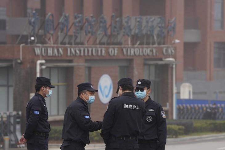 """Un dezertor chinez de rang înalt are """"cunoștințe directe"""" despre programul chinez de arme biologice"""
