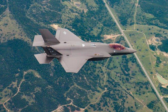 F-35 pentru România din 2030? Până atunci, urmează decizia pentru încă două escadrile de F-16