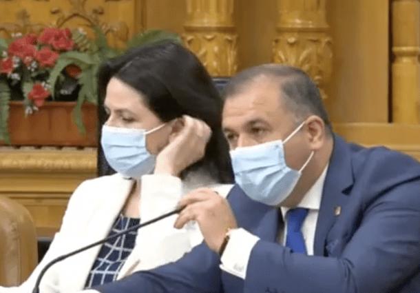 """Delir xenofob al PSD si AUR contra noului Avocat al Poporului: """"Este agent al serviciilor maghiare/ Tradare!"""". Replica: """"Am sange romanesc"""""""