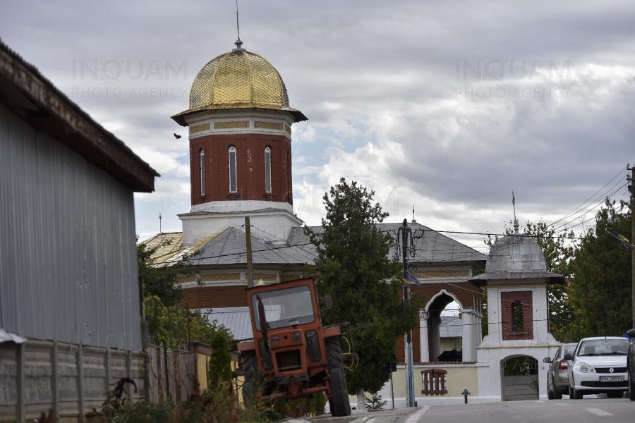 """Un ofițer rus s-a dus la Deveselu, """"să se roage"""" la biserica de lângă baza care adăpostește scutul anti-rachetă. """"Nu i-am invitat, dar s-au autoinvitat"""""""