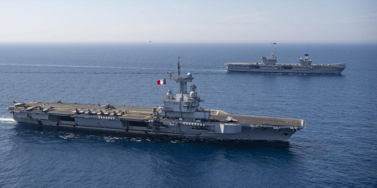Demonstrație de forțe NATO: În premieră, portavionul britanic Queen Elizabeth și cel francez Charles de Gaulle au efectuat exerciții comune în Marea Mediterană