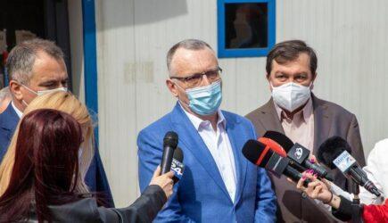 """Cîmpeanu: Profesorii nevaccinați care nu se testează """"se odihnesc un pic"""", dacă incidența crește"""