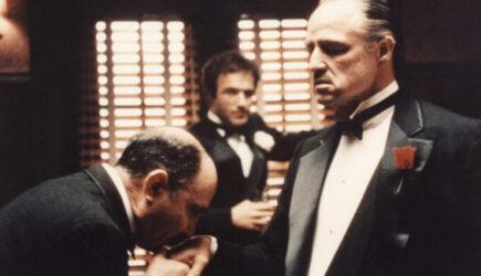 De ce mafiotii ataca, santajeaza sau mituiesc,  politicienii ?